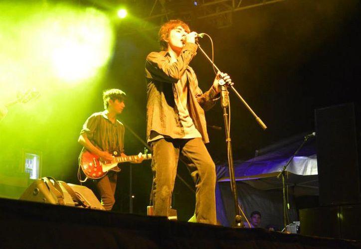 La agrupación es influenciada por la musica indie y el rock alternativo. (Facebook/Cosmopoliz band)