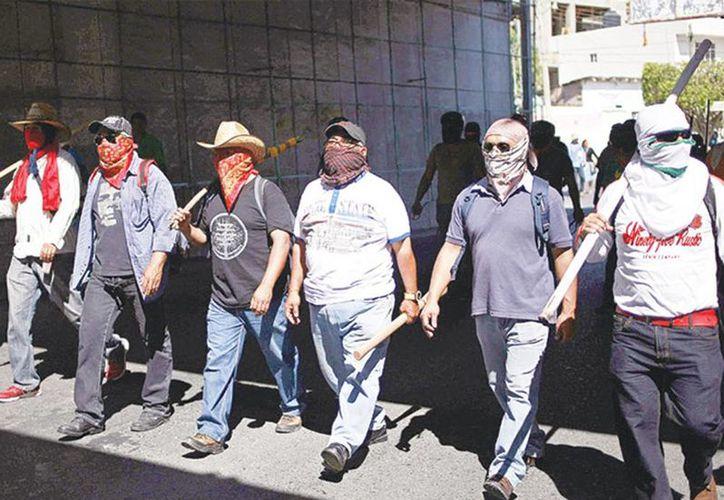 La Ceteg protagonizó diversos actos de violencia en Guerrero, a raíz de la desaparición de los normalistas de Ayotzinapa. (Excelsior)