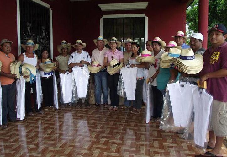 """Dieron a conocer los detalles del concurso """"Así es la guayabera, así es Yucatán""""."""