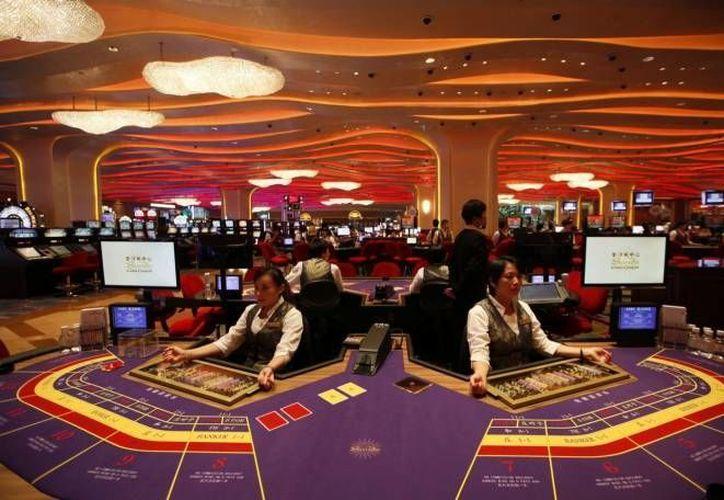 La nueva legislación define como actividades vulnerables a las operaciones realizadas por casinos, constructoras, bienes raíces, tiendas departamentales, etc. (Archivo SIPSE)