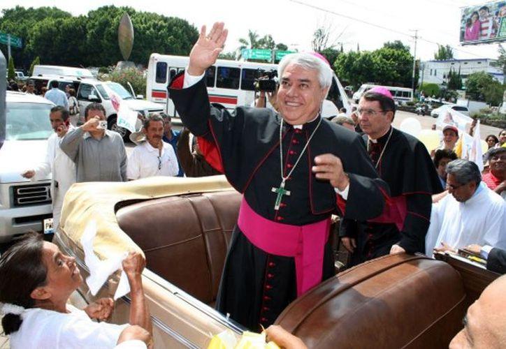 Cortés Contreras, hasta el sábado Obispo de Cuernavaca, aseguró que le duele dejar Morelos por el trato que recibió de la feligresía católica. (mx.noticias.hispavista.com)