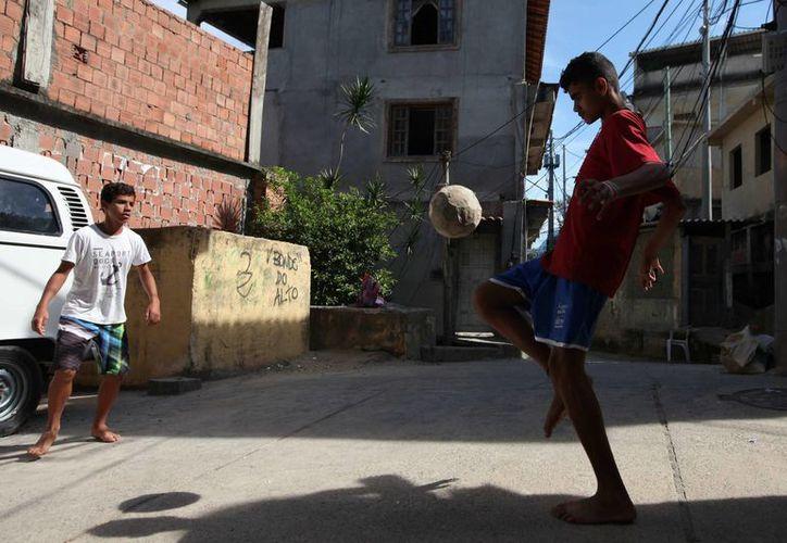 """La mayoría de los """"ninis"""", como se denomina a este grupo, se encuentra en Brasil, Colombia y México. (EFE/Archivo)"""