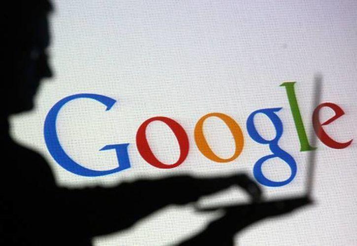 Google almacena también los lugares que visita el usuario con fines publicitarios. (Archivo/Reuters)