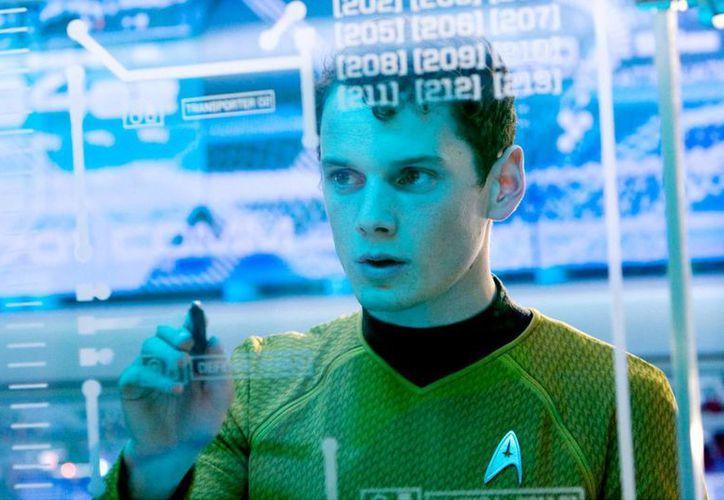 Anton Yelchin, quien interpretó a Pavel Chekov en el reboot de 'Star Trek', falleció en un accidente de auto. (aceshowbiz.com)
