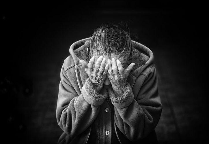 El hijo de una de las víctimas fue quién notó los golpes y heridas. (Pixabay)