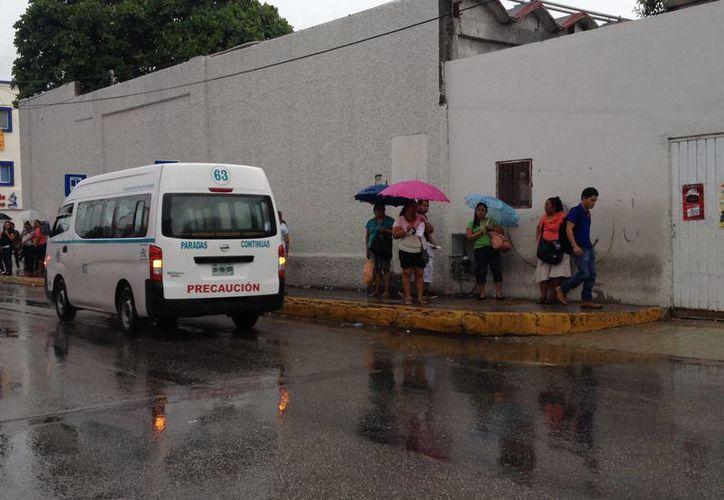 Actualmente la zona centro funciona como nodo del transporte público en Playa del Carmen. (Ándrián Barreto/SIPSE)