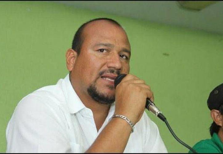 Policías estatales y federales detuvieron a Francisco Villalobos Ricárdez, secretario de Organización y segundo al mando de la sección 22 de la CNTE; será trasladado a la Ciudad de México. (radioformula.com.mx)