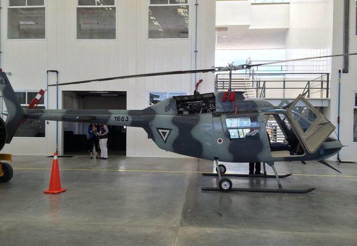 El nuevo hangar-laboratorio de la Universidad Aeronáutica de Querétaro abarca cinco mil 23 metros cuadrados. (Notimex)