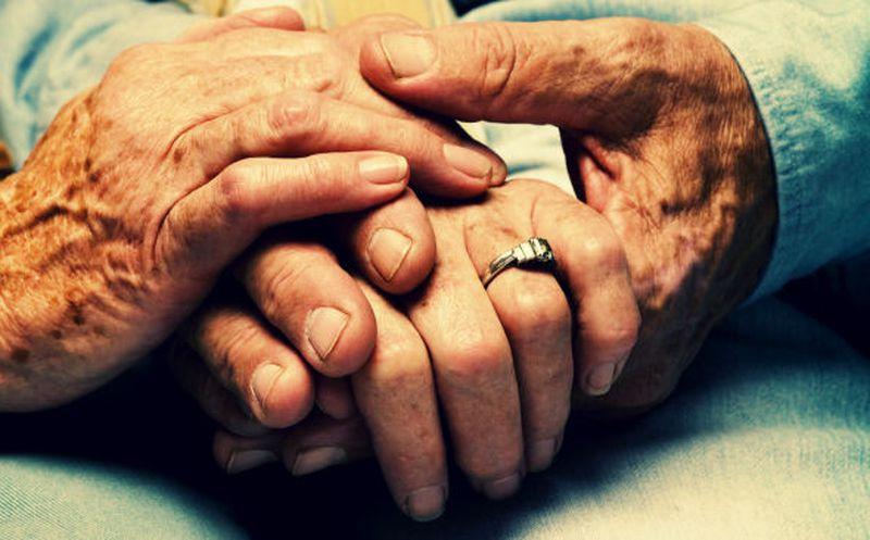 Abrazó a su esposo muerto durante tres días y 2 noches