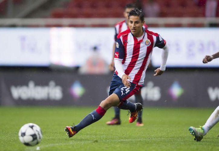 Tras lesión, Cisneros está cerca de regresar a la cancha con las Chivas del Guadalajara. (Foto: Vanguardia)