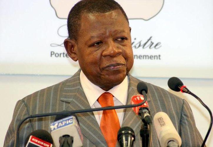 Lambert Mende, portavoz de comunicación de Congo, declaró las personas detenidas, entre ellas un diplomático de EU, atentaban contra la seguridad del Estado. (congoplanet.com)