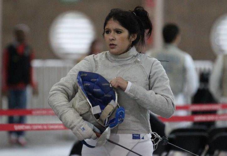 Paola Pliego (foto), Úrsula González, Tania Arrayales y Julieta Toledo dieron a México su pase a los Panamericanos de Esgrima en Toronto. (sportsqro.com)