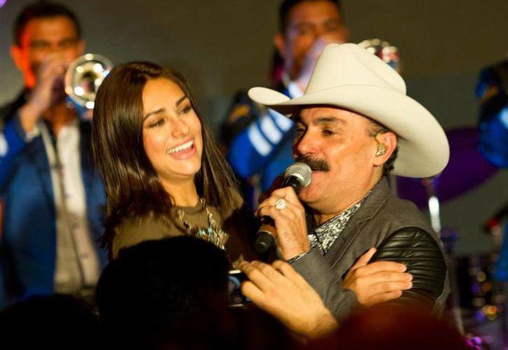 El Chapo de Sinaloa, quien interpreta el tema central de la telenovela Sueño de Amor, lanzará en breve el videoclip. (NTX/Archivo)