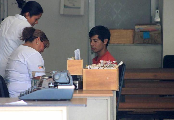 De acuerdo con el Inegi, de los 224 mil habitantes en Othón P. Blanco, sólo el 76.33% está afiliado a algún servicio de salud. (Joel Zamora/SIPSE)