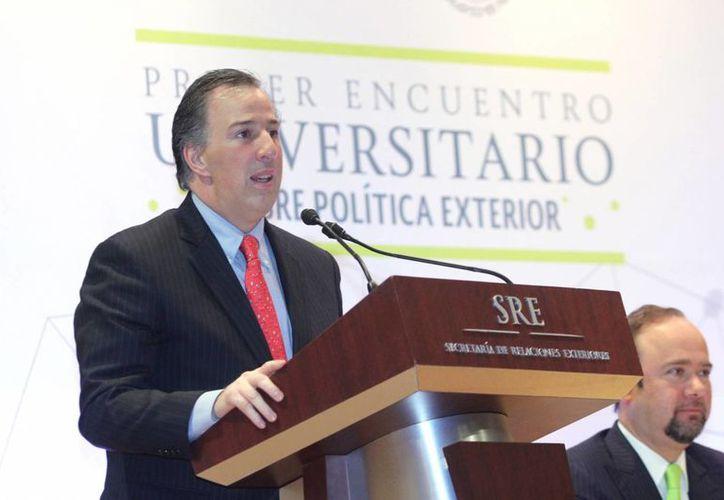 Meade Kuribreña estimó que el alivio migratorio en EU beneficiará a unos cuatro millones de mexicanos. (Notimex)