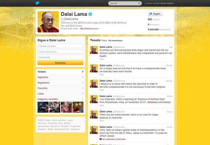 El Dalai Lama cuenta con un verdadero equipo de expertos informáticos que se encargan de actualizar sus perfiles. (twitter.com/DalaiLama)