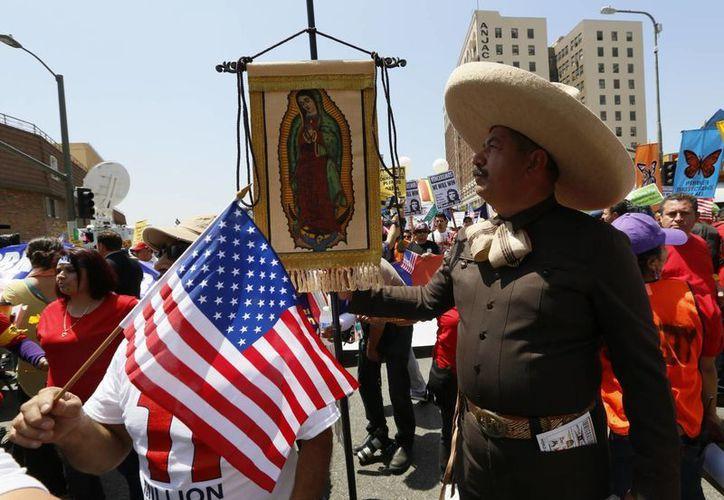 Inmigrantes aprovecharon eventos del Día del Trabajo en Estados Unidos para abordar el tema de la reforma migratoria. La imagen corresponde a Los Ángeles. (Agencias)