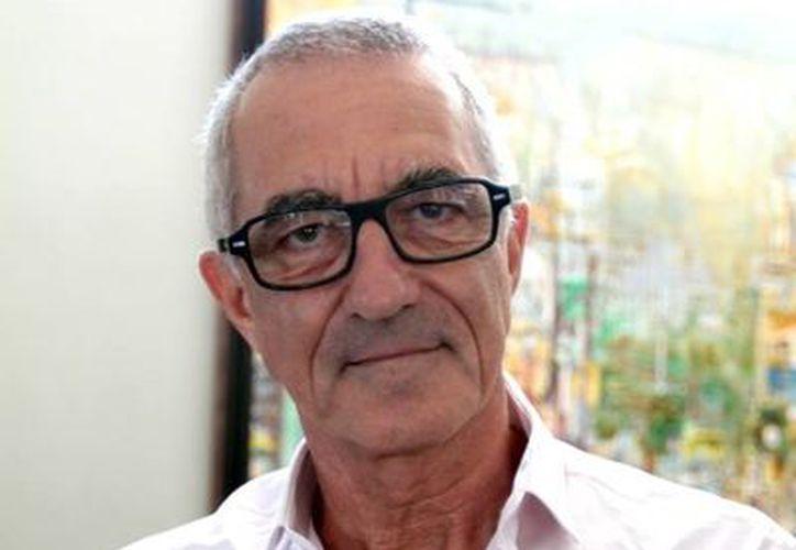 Serge Barbeau, artista visual, canadiense de nacimiento, maya de corazón. (SIPSE).