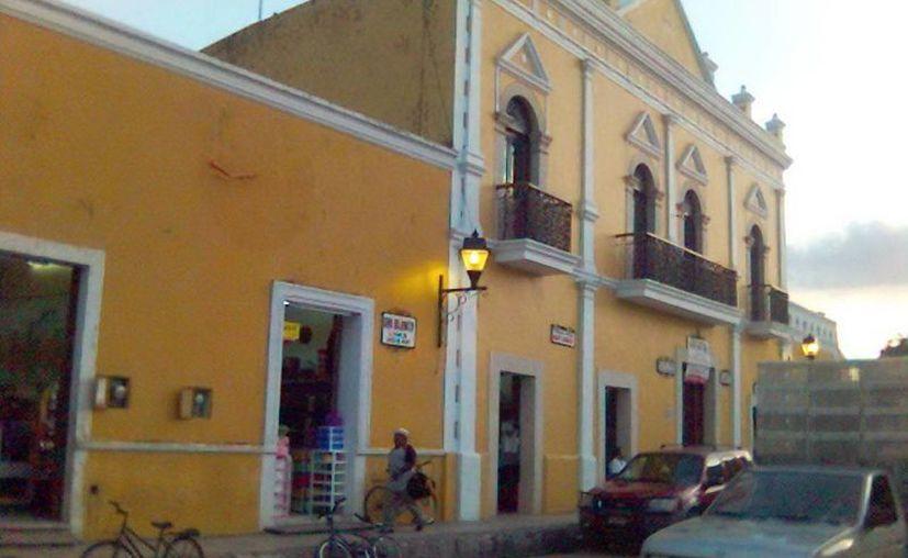 También en la ciudad de Izamal han reportado esa especie de 'mal viento'. (Jorge Moreno/SIPSE)