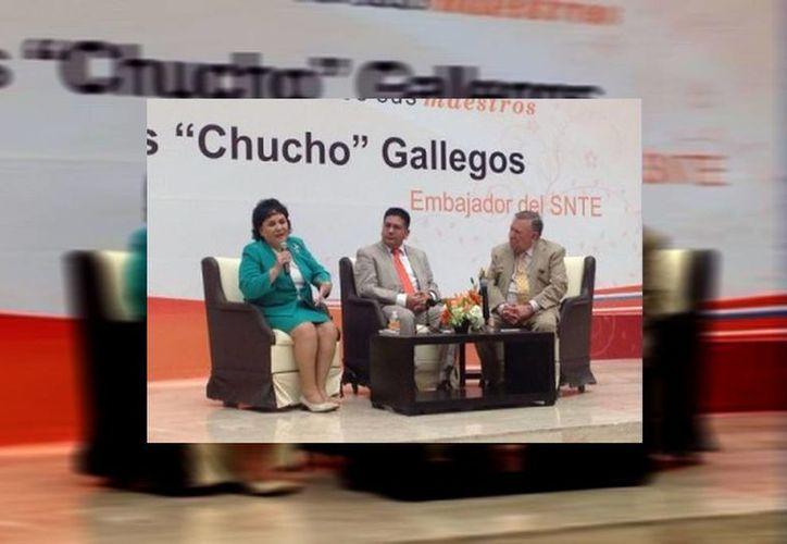 La actriz Carmen Salinas agradeció la distinción al SNTE. (Milenio/SNTE)