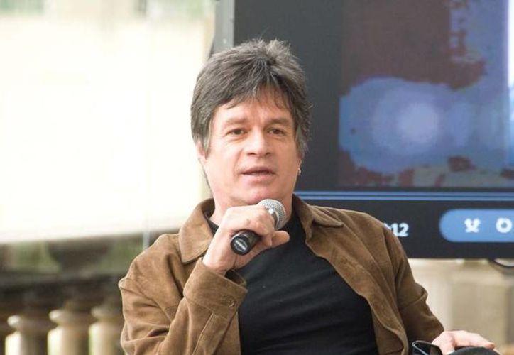 Alejandro Camacho dice que trata de complacer a quienes le piden un autógrafo o una foto. (revista.impacto.mx/Foto de archivo)