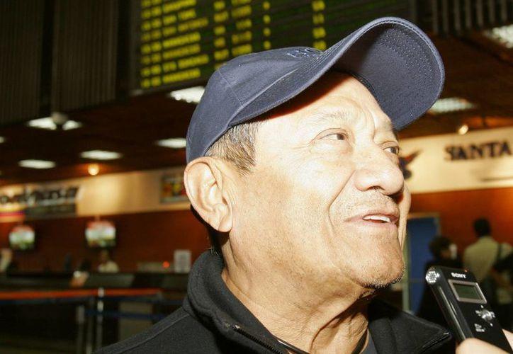 El compositor mexicano Armando Manzanero dijo que mantendrá su apoyo a la Asociación de artistas guatemaltecos hasta que reciban los respaldos institucionales necesarios.. (EFE/Archivo)