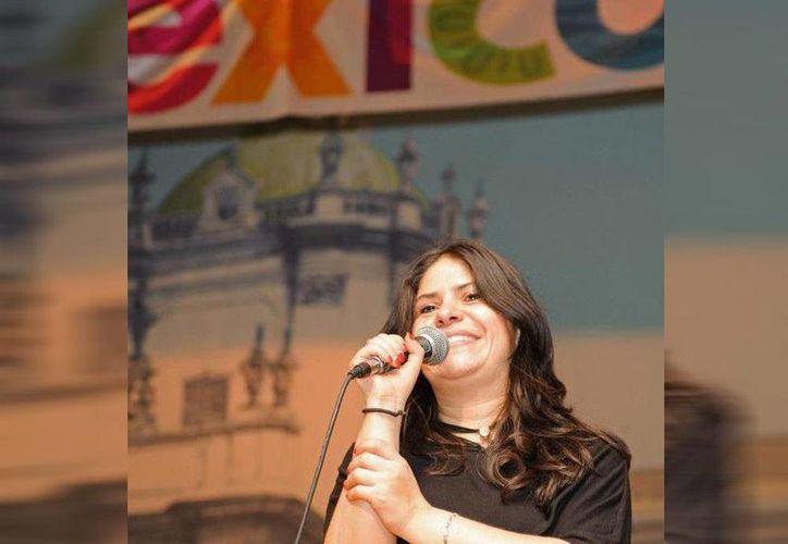 Con diez años en los medios de comunicación latinos de Ontario, Silvia Méndez se ha convertido en líder de opinión de la comunidad hispana. (Facebook/Silvia Mendez)