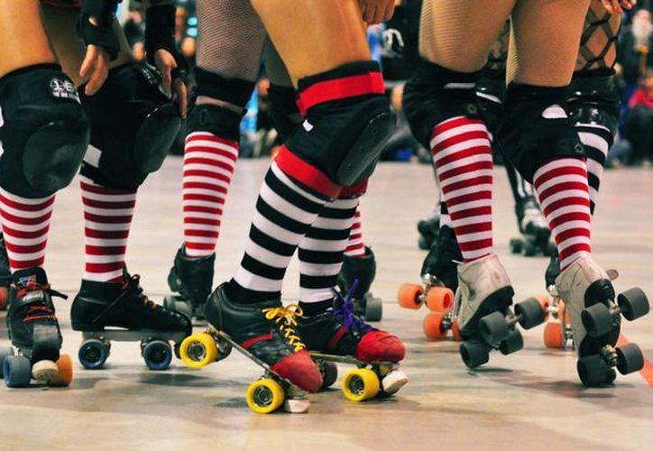 Cancún cuenta con su equipo de Roller Derby, las Reinas Rojas que se enfrentaran al equipo de Campeche. (Foto/Internet)