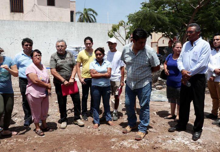 Los vecinos aseguran que el espacio estaba reservado para un parque. (Foto: Jorge Acosta/ Milenio Novedades)