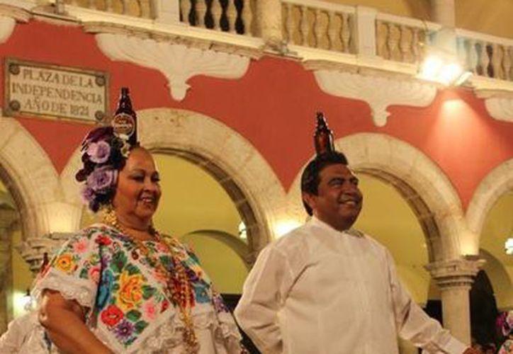 La vaquería del lunes 3 de marzo se realizará en Plaza Carnaval. Habitualmente la presentación se realiza en los bajos del Palacio Municipal, en el centro de Mérida. (Cortesía)