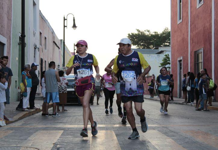 Los atletas tuvieron buen ritmo durante el trayecto en Valladolid. (Foto:Novedades Yucatán)