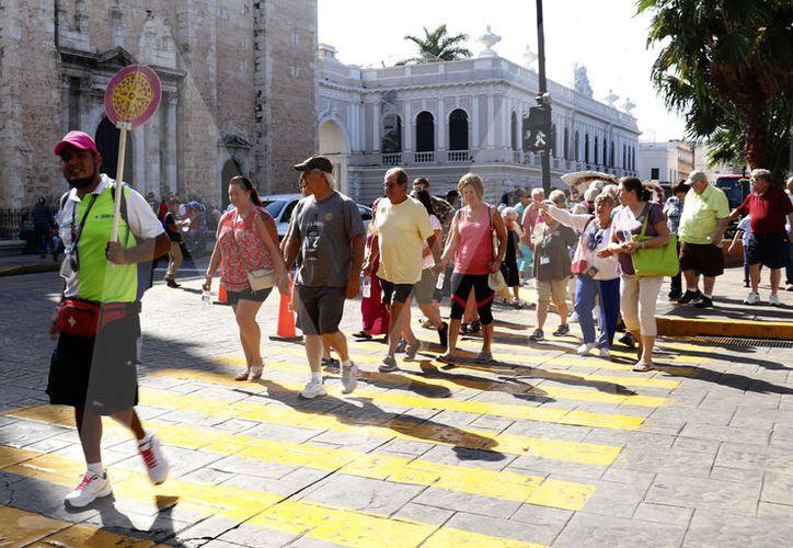 A diferencia de otras épocas del año, en invierno en Mérida aumenta la cantidad tanto de turistas nacionels como extranjeros. (Foto José Acosta)