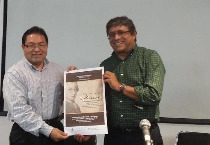José Luis Chan Sabido y Berlín Villafaña presentaron los conciertos. (Milenio Novedades)