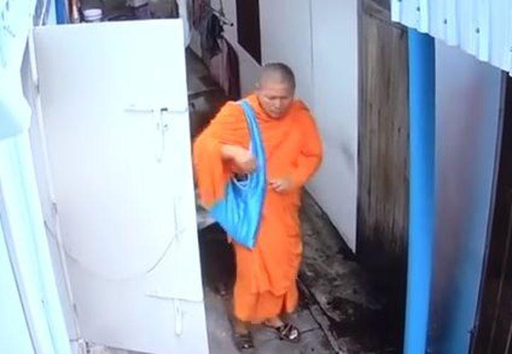El robo fue cometido después de haber sido expulsado de su templo. (Youtube)