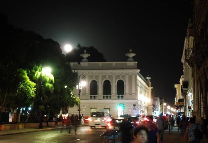 La noche tendrá una duración mayor a las 13 horas. (Foto: SIPSE)