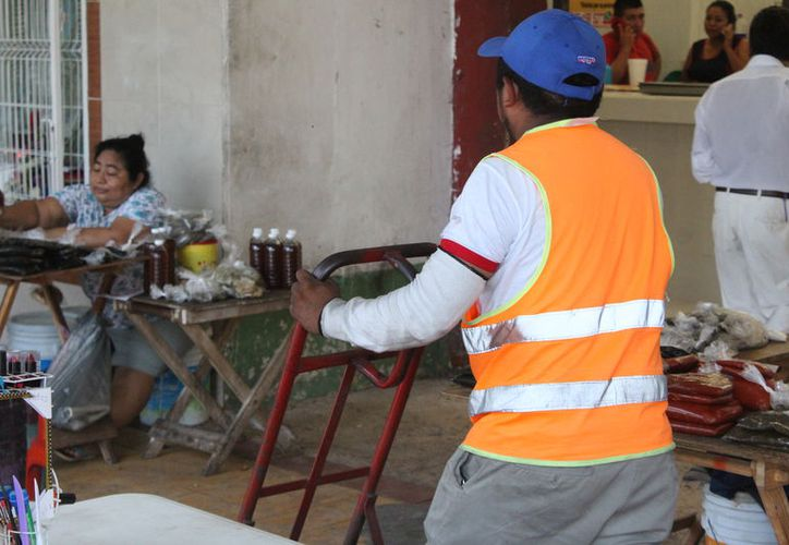 Los altos costos de los productos y servicios generan pobreza entre la población. (Joel Zamora/SIPSE)
