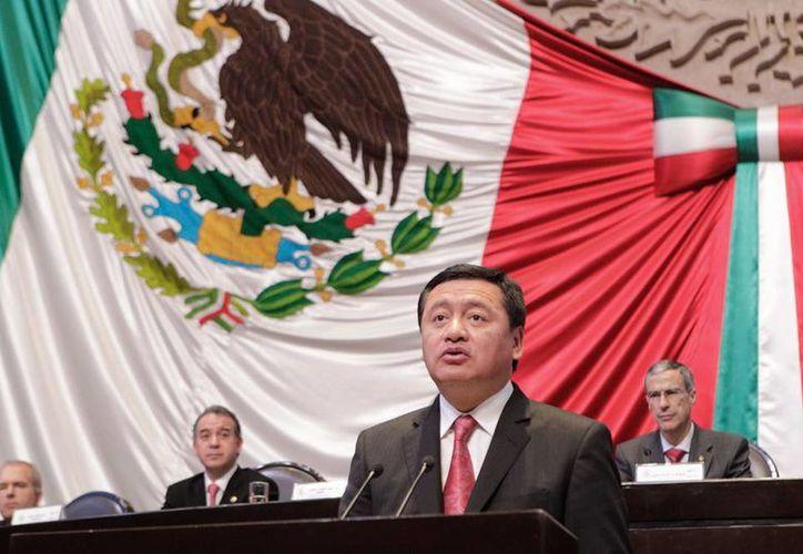 En la Cumbre mundial de legisladores, Osorio Chong detalló que la reforma energética que se discute en México combina desarrollo económico con fuentes de energía más modernas y limpias. (Notimex)