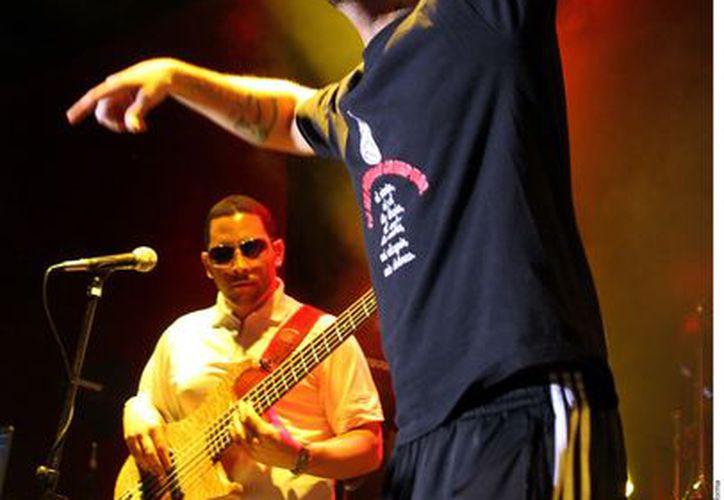 Calle 13 lanzó disparos certeros. (Agencia Reforma)