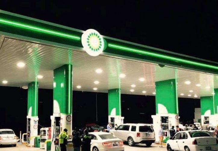 BP pretende abrir más de 500 gasolineras en México. (debate.com)