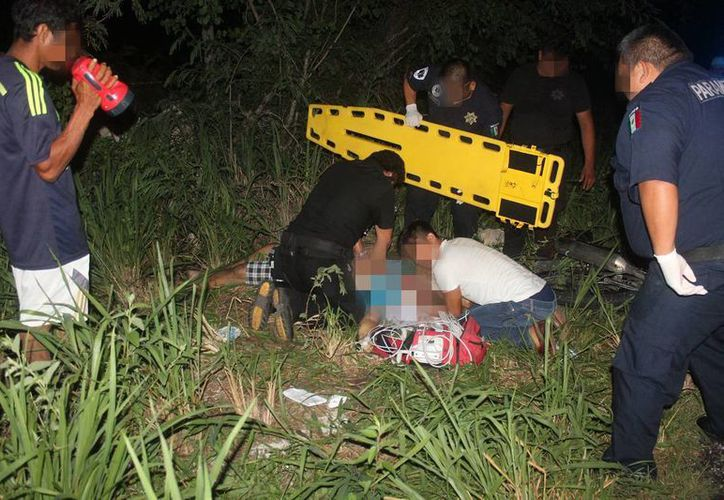 El motociclista murió tras impactar con una vaca en la carretera estatal Santa Clara-Dzidzantún. (Milenio Novedades)