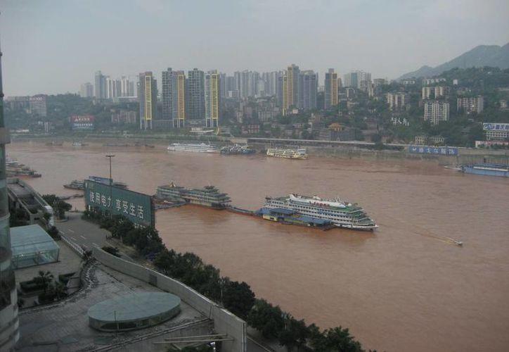 El río Yangtse es el tercero más largo del mundo, después del Amazonas y el Nilo.(backpacku.com)