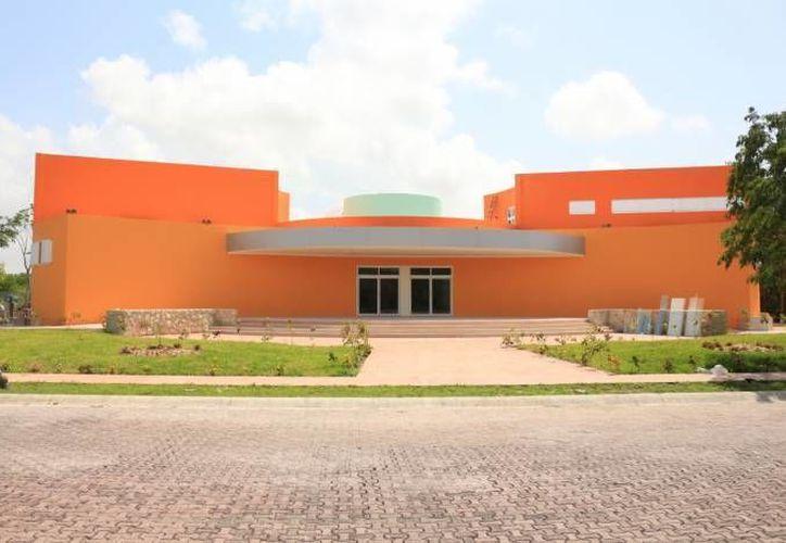 El reconocido buzo forma parte importante de una investigación llevada a cabo por la compañia Discovery Channel en la isla de Cozumel.   (Redacción/SIPSE)