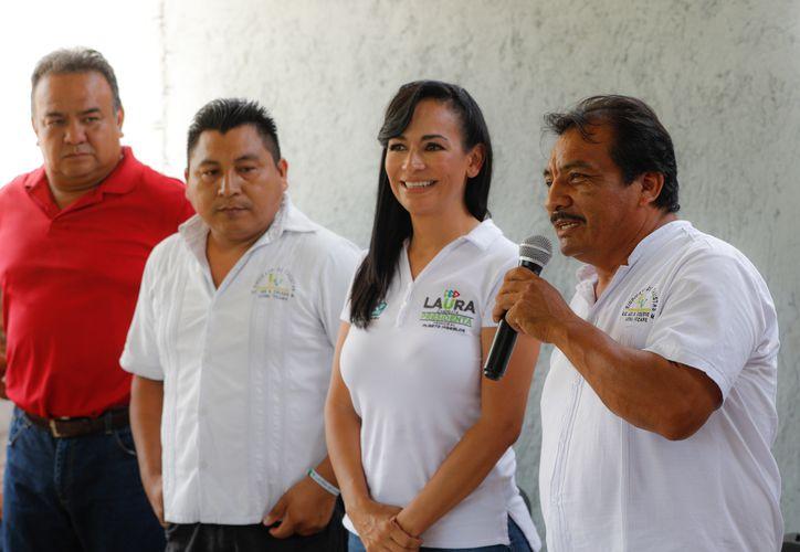 La abanderada de la coalición 'Por Quintana Roo' participó en un foro temático de enfoque social, realizado en el municipio 'más joven' de Quintana Roo. (SIPSE)