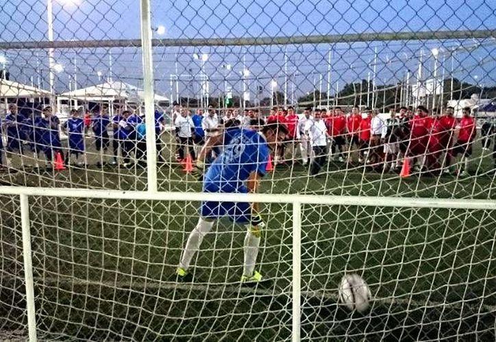 Este jueves se inauguró la Copa PRI Fut7 en Yucatán. (SIPSE)