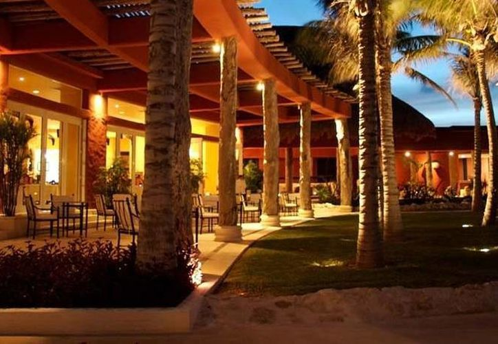 El hotel cuenta con 90 suites, spa, centro de talasoterapia, tres restaurantes y dos bares. (Foto/zoetryresorts.com.mx)