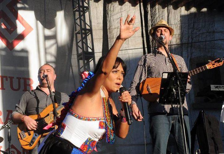 Al finalizar su concierto en Pátzcuaro, Lilia Downs se dijo una enamorada de México. (Archivo Nortimex)