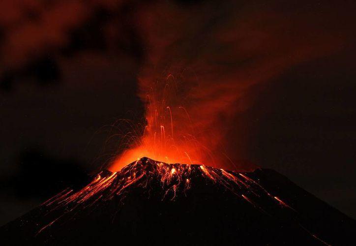 La alerta del volcán continúa en Amarillo Fase 2. (EFE)