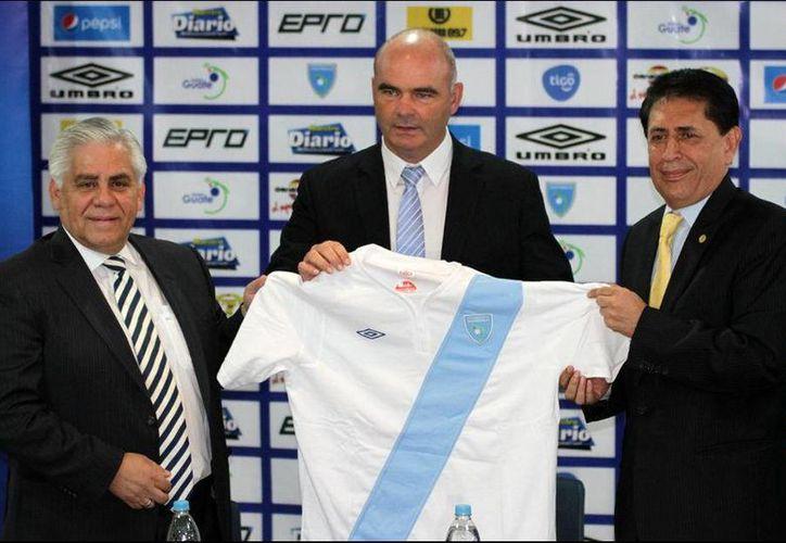 El DT Iván Sopegno dejará la dirección técnica de la selección de Guatemala, a partir del 31 de diciembre, esto debido a los problemas de corrupción dentro la federación de Guatemala. (Fedefut Guatemala)