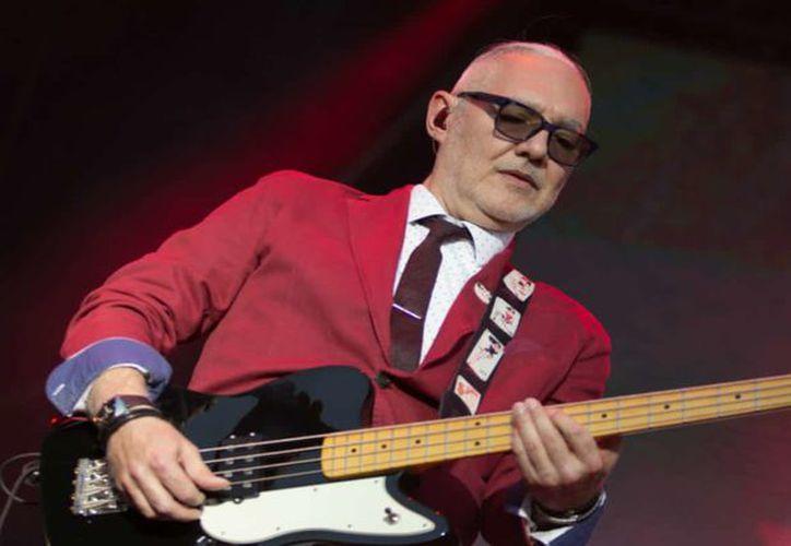 El músico Sabo Romo, bajista de Caifanes, fue asaltado anoche en una taquería de la colonia Nápoles. (Foto: Big Data)
