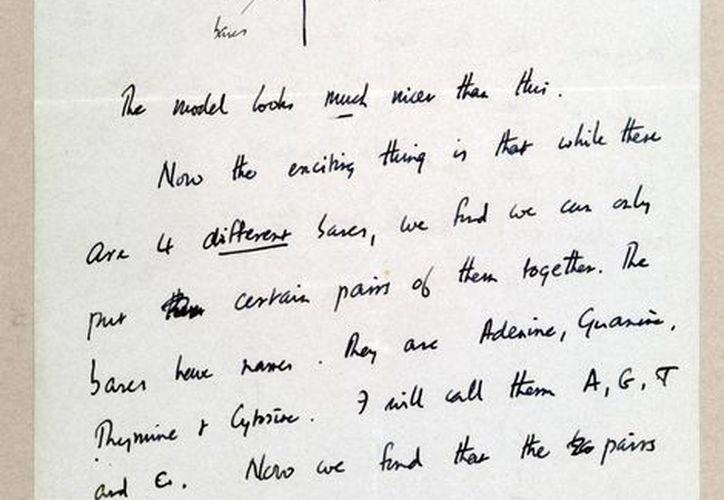 Fotografía cedida por Christie´s este 10 de abril, de la segunda página de la carta que el científico británico Francis Crick escribió a su hijo para comunicarle el descubrimiento. (EFE)
